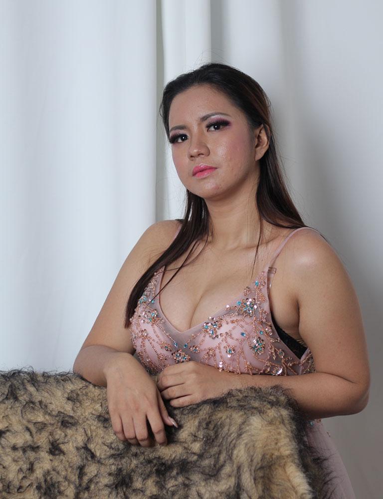 Cathleen | Filipina Masseuse | Pleasure Massage